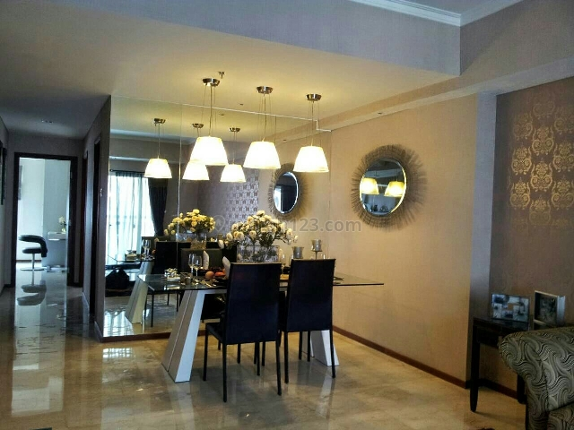 Royal medit 3+1bed 100m2 furnish interior bagus nyaman harga ok, Central Park, Jakarta Barat