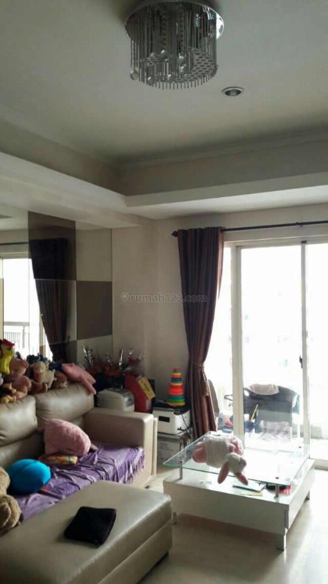 Royal Medit tipe 3+1bed ls 100m2 furnish interior lengkap harga utk invest & tinggal best view kolam, Central Park, Jakarta Barat