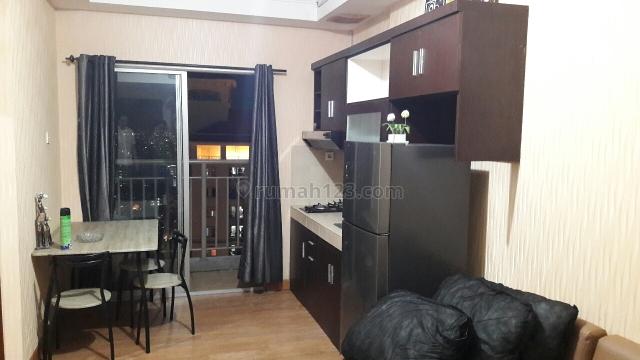 Medit 2 tipe 2kamar ls 42m2 unit furnish lengkap nyaman untuk tinggal, Tanjung Duren, Jakarta Barat