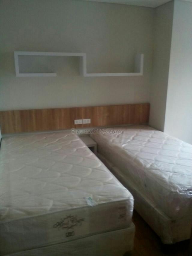 apartemen mg suite semarang 2BR(ranjang ada 3) jd bisa buat bertiga/4 org. semi furnish, Gajahmada, Semarang