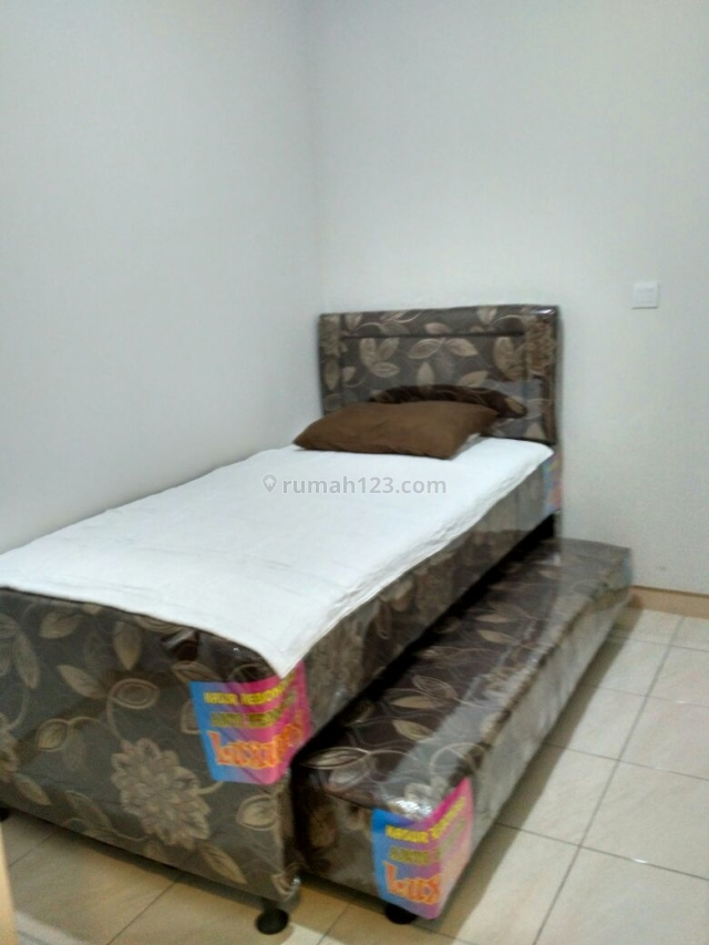 Studio semi furnish Springlake, bulanan, per 3 bulan lebih murah, Summarecon Bekasi, Bekasi