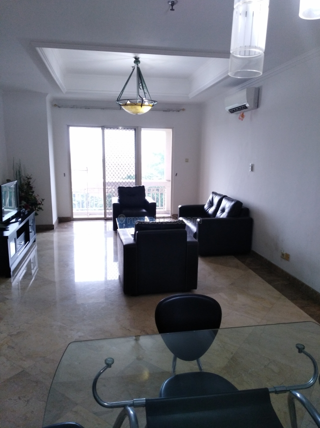 BEST PRICE KEDOYA ELOK APARTMEN 3+1BR, Low zone, Full furnish, Classic desigh, Kebon Jeruk, Jakarta Barat