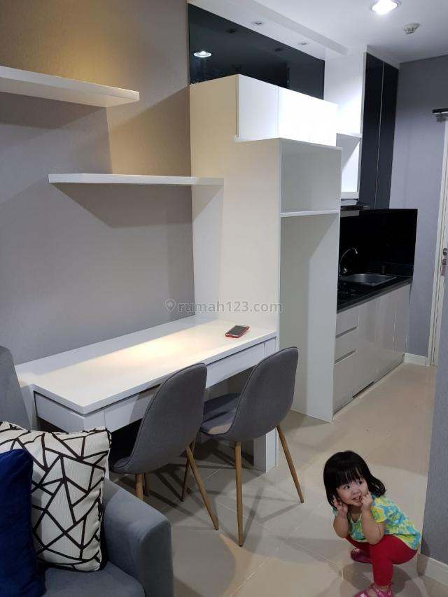 Madison Park 1 Bedroom Full Furnish Lantai Sedang 29,74m2 Bisa di Nego, Tanjung Duren Selatan, Jakarta Barat