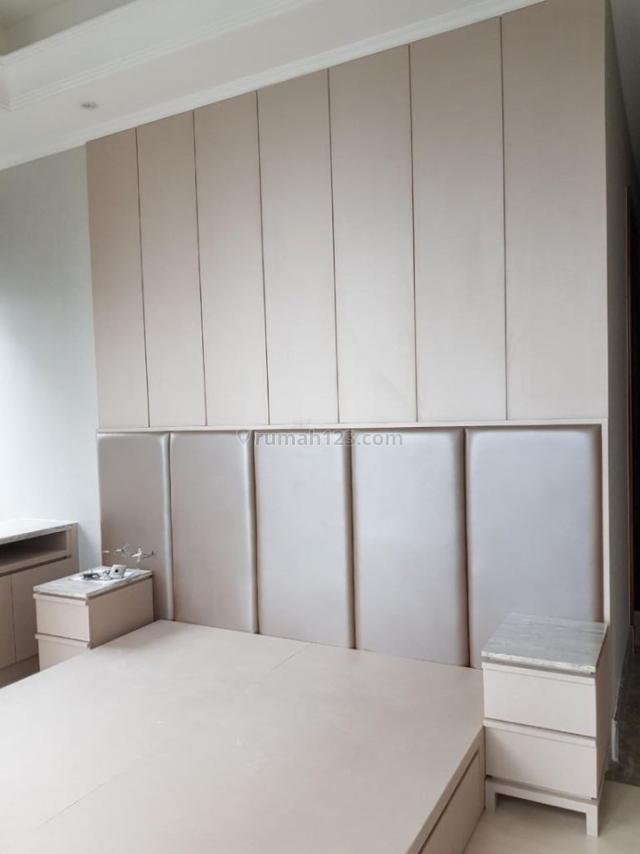 Apartemen Mewah District 8 @ Senopati Tipe 2 Bedroom + 1 Semi Furnished, Jakarta Selatan., Senopati, Jakarta Selatan