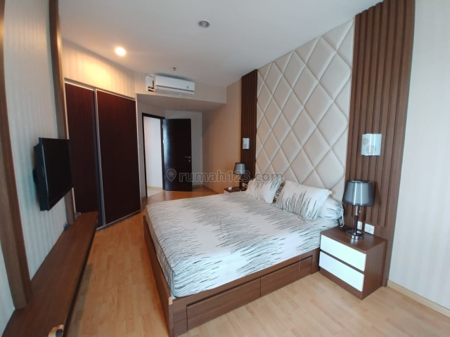 Nice Layout and Fully Furnished in Gandaria Heights Apartment, 3 Bedrooms + 1 (Ready to Move-in), Gandaria, Jakarta Selatan