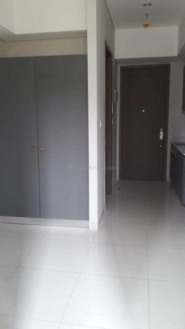 Apartemen Taman Anggrek Residence Luas 26m2 1BR Mid Floor View City Price 70 Juta, Taman Anggrek, Jakarta Barat