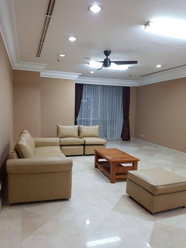Apartemen Simpruk Teras 3BR Full Furnished Low Floor, Kebayoran Lama, Jakarta Selatan