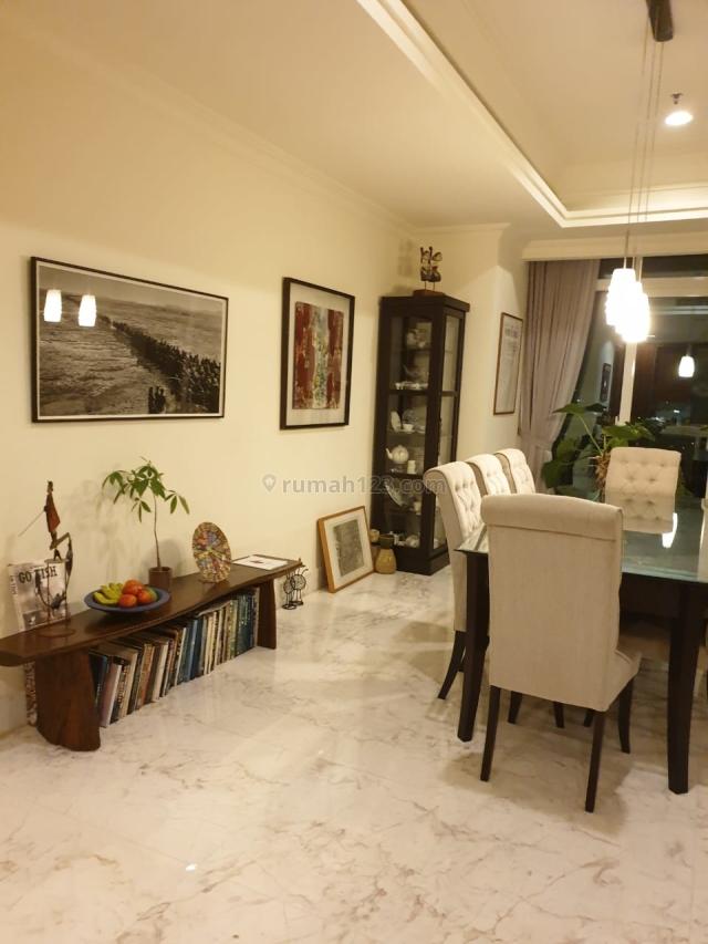 Botanica Apartemen, Simprug, Kebayoran Baru. 3 Bedroom. Sudah ada penyewa- Investasi Bagus, Simprug, Jakarta Selatan