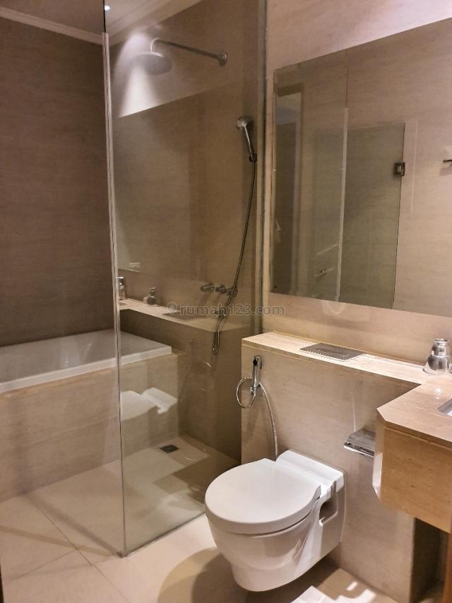 BEST DEAL ! Taman Anggrek Residences Unit favorite Condominium 2+1 Kamar, Tanjung Duren Selatan, Jakarta Barat