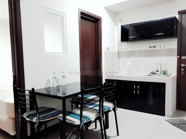 Apartemen Furnish Lantai 7 Baru Renove Nyaman View Kolam, Ciumbuleuit, Bandung