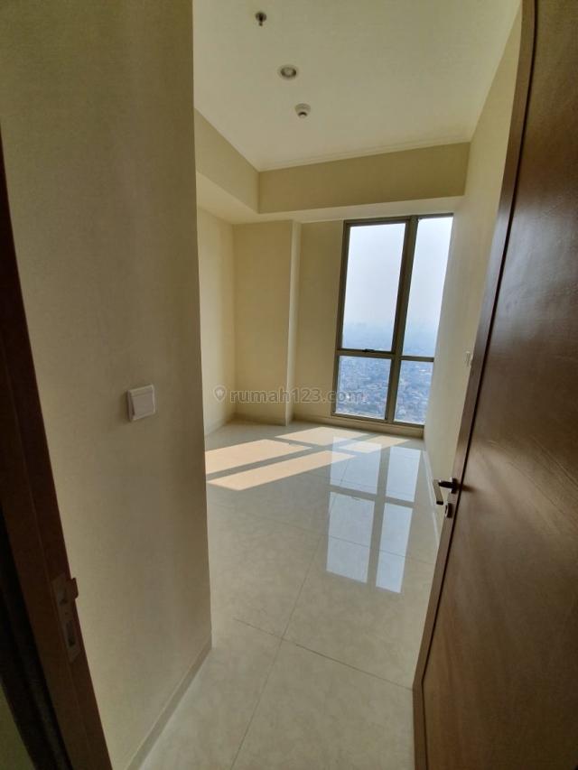 Apartemen Condo Taman Anggrek Residence 3+1BR Semi Furnished, Taman Anggrek, Jakarta Barat
