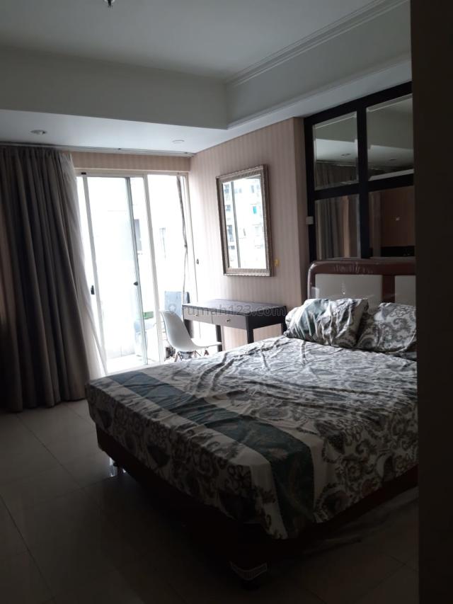 Apartemen Royal Mediterania Garden Type Studio Full Furnish View Pool, Tanjung Duren, Jakarta Barat