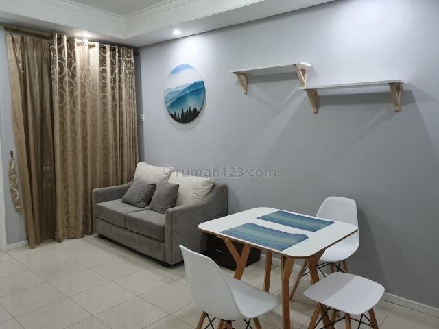 Royal Mediterania Garden Residence, 2 BR Furnished Brand New Lantai Rendah, Tanjung Duren, Jakarta Barat