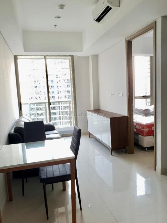 Apartemen Taman Anggrek 1BR Full Furnished View Pool, Taman Anggrek, Jakarta Barat