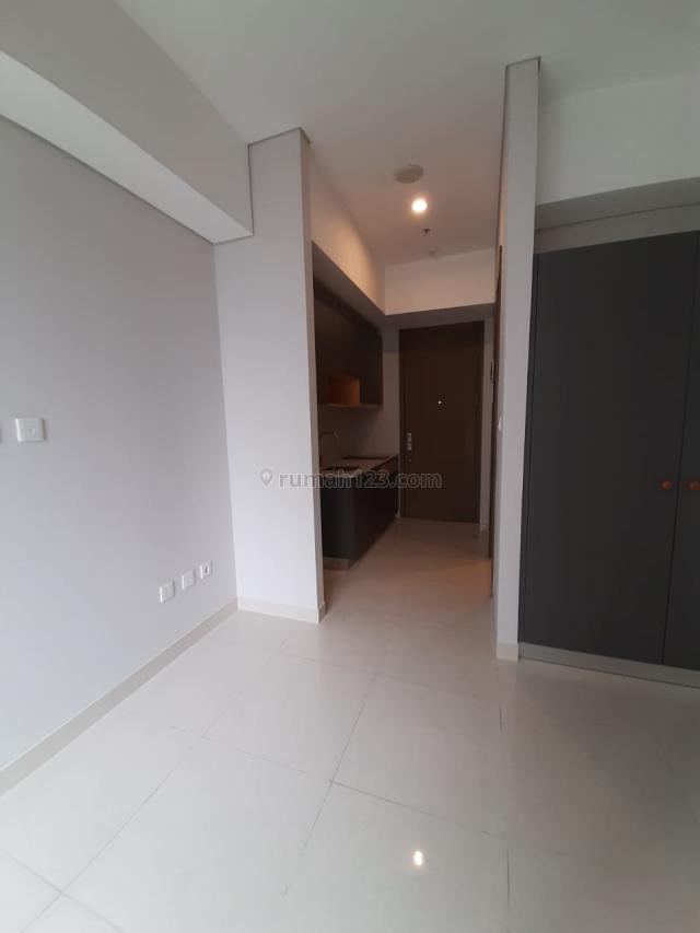 Taman Anggrek Residence Studio Semi Furnished Lantai Sedang View Pool, Taman Anggrek, Jakarta Barat, Taman Anggrek, Jakarta Barat