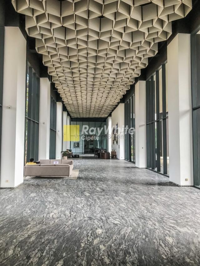 Penthouse di Izzara. Full Interior Spectacular View, TB Simatupang, Jakarta Selatan