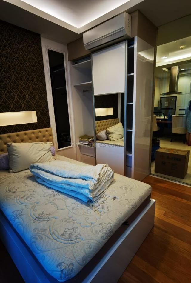 Nice and Cozy 1BR Apartment @ Residence 8 Senopati, Senopati, Jakarta Selatan