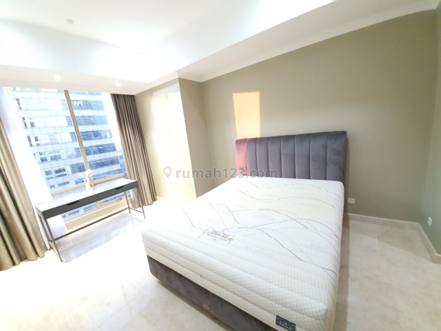 Nice Unit Just Renovated, High Floor (Quiet Unit), 2BR Size 94sqm, Private Lift in Sudirman Mansion, Walking Distance to MRT Station, Senayan, Jakarta Selatan