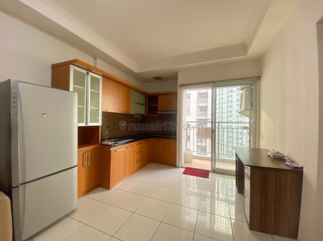 Apartment Medit 2  3 BR  Lt Rendah - View Royal dan Central Park, Tanjung Duren, Jakarta Barat