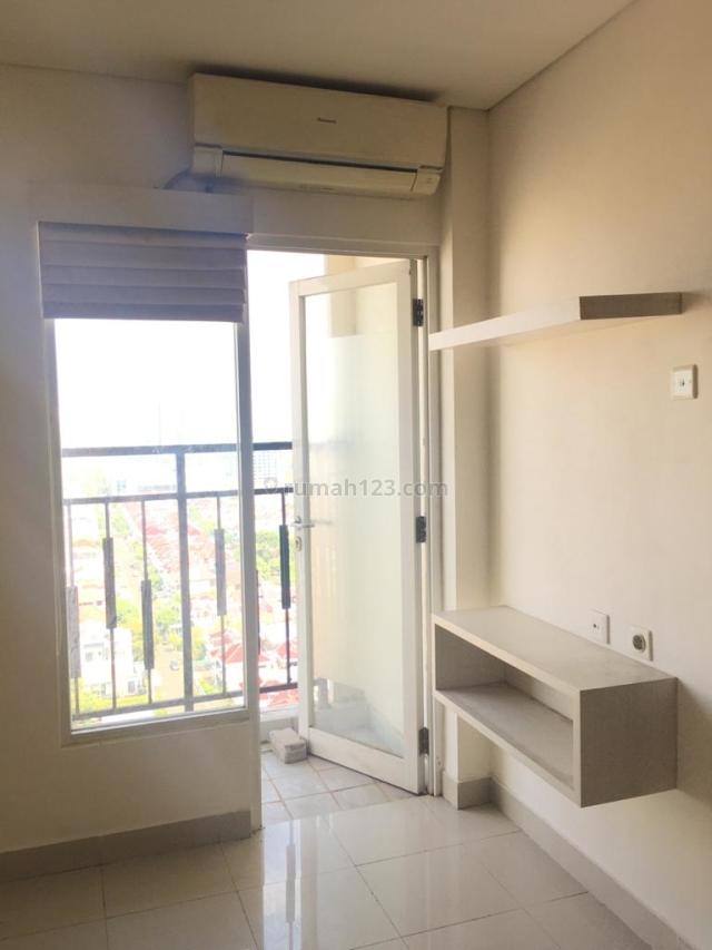 Apartment 3BR Harga NEGO! 15 mins TOL KEMAYORAN, semi furnished; KitchenSet, Ac, wardrobe, water heater & shower tab., Sunter, Jakarta Utara