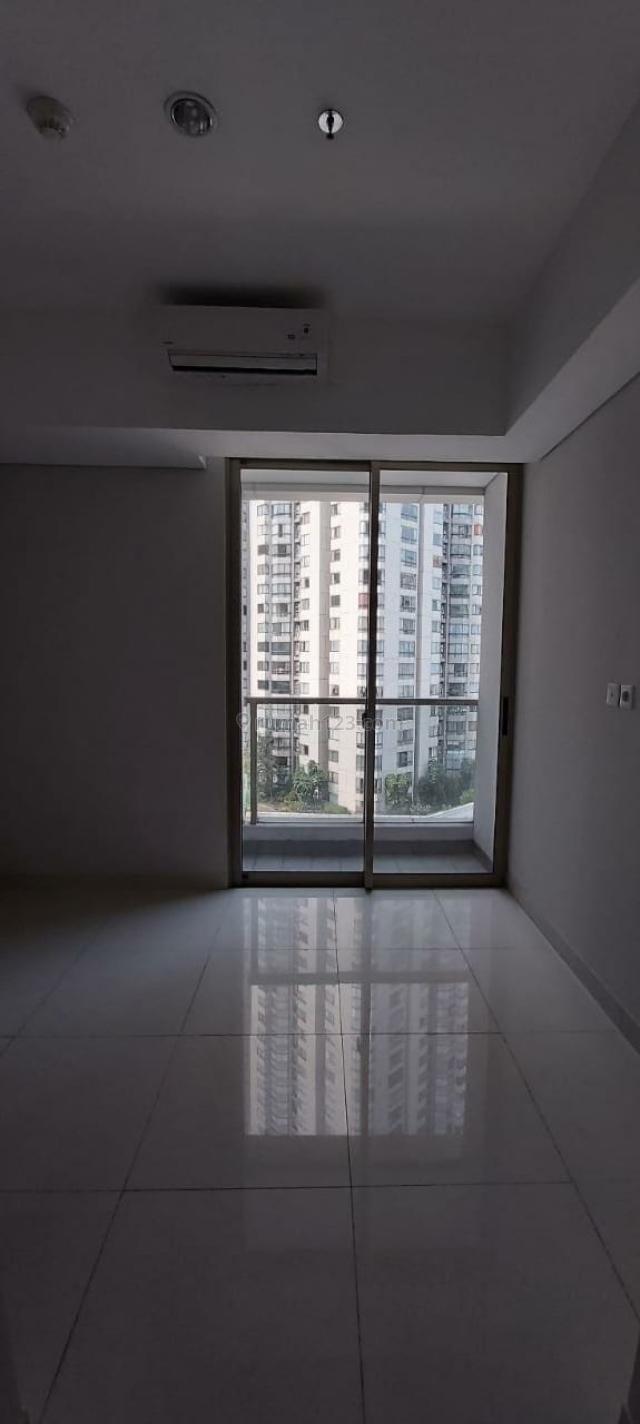 Apartment Taman Anggrek Residence Studio Lantai Sedang Kosongan, Taman Anggrek, Jakarta Barat