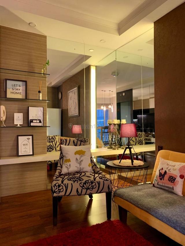 Apartemen Medit 2 Tanjung Duren 3 Bedroom Full Furnish Bagus View Tribeca Central Park, Central Park, Jakarta Barat