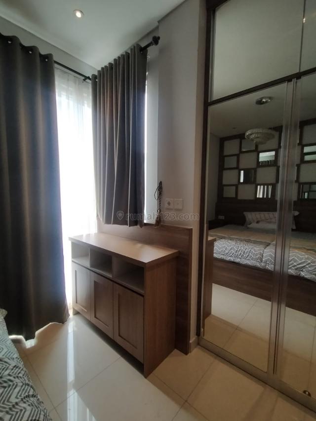 3 Bedroom Full Furnished and Interior, Grogol, Jakarta Barat