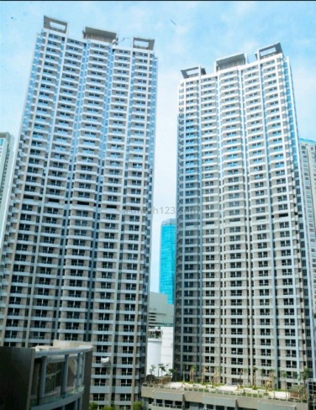 HARGA MURAH! Apartemen Taman Anggrek Residence – 2 BR (50 m2) - Semi Furnished - View Pool, Tanjung Duren, Jakarta Barat