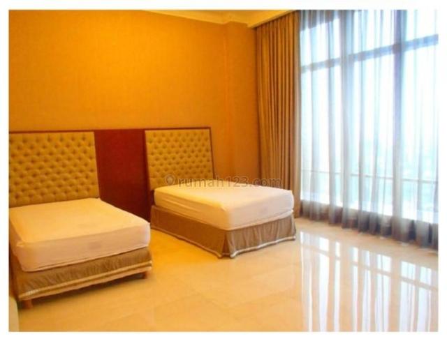 Apartemen Airlangga Ritz Carlton 4 BR Semi Furnished Siap Huni, Kuningan, Jakarta Selatan