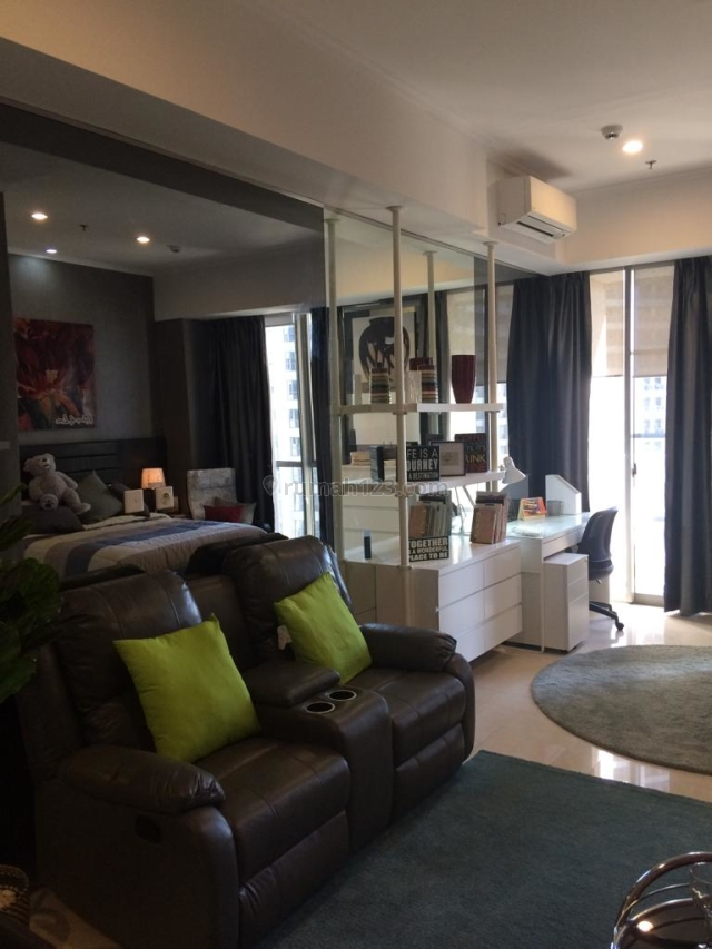 Apartemen Taman Anggrek COndo Tower A 1BR Jadi Studio Full Furnished Mewah(, Taman Anggrek, Jakarta Barat