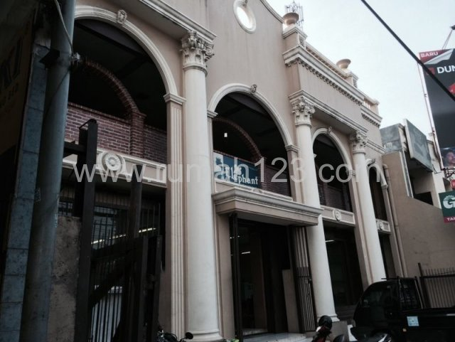 Gedung Usaha Di Otista Raya, Otista, Jakarta Timur