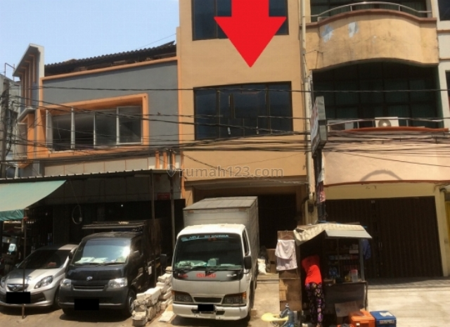 Ruko daerah Pasar Baru !! MURAH SEKALI ! Jarang ada, Pasar Baru, Jakarta Pusat