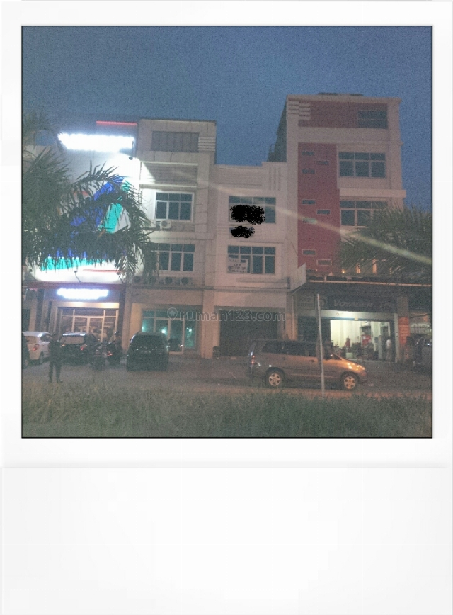 ruko elang laut hadap jalan raya pik, Pantai Indah Kapuk, Jakarta Utara
