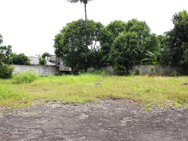 Tanah Siap Dibangun utk Gudang - Lokasi Sangat Menunjang - Joglo - Dengan Akses TOLL yang banyak -Sangat Cocok utk Distribusi Kesegala Arah Jabodetabek - Gudang / Depo dari Barang konsumer maupun Alat Berat / Industri., Joglo, Jakarta Barat
