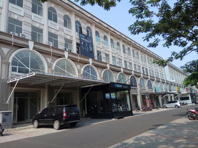cordoba blok d cocok untuk laundry, kantor, bank. untuk informasi lebih lanjut silahkan hubungi yuling Di 0852-1307-2852, Green Lake City, Jakarta Barat
