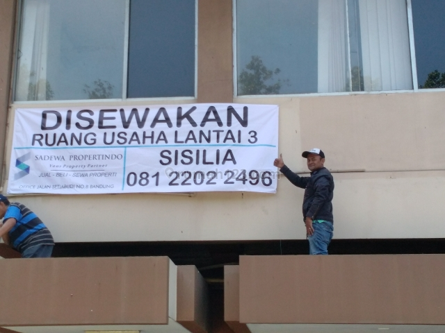 Ruang Usaha strategis di mainroad merdeka, Dago, Bandung