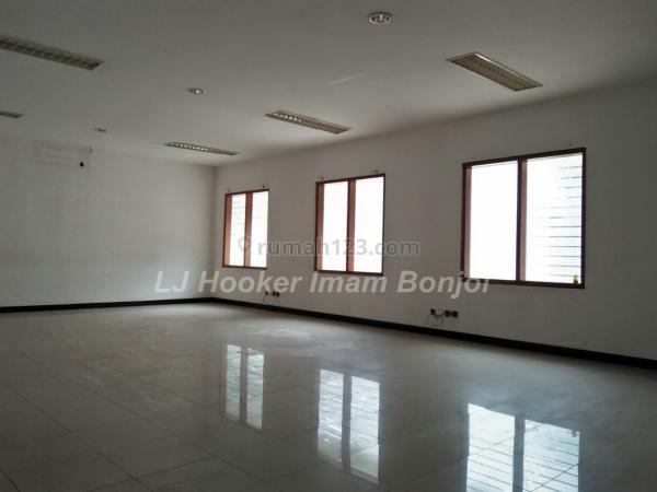 Kantor siap pakai daerah A yani Semarang 2273, Semarang Tengah, Semarang