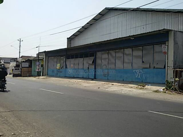 Gudang Siap Pakai Pinggir Jl. Raya, Kartosuro, Solo