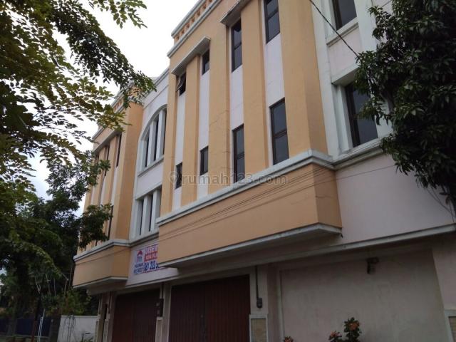Ruko Lokasi Strategis Pinggir Jalan Raya Adi Sucipto, Jajar, Solo