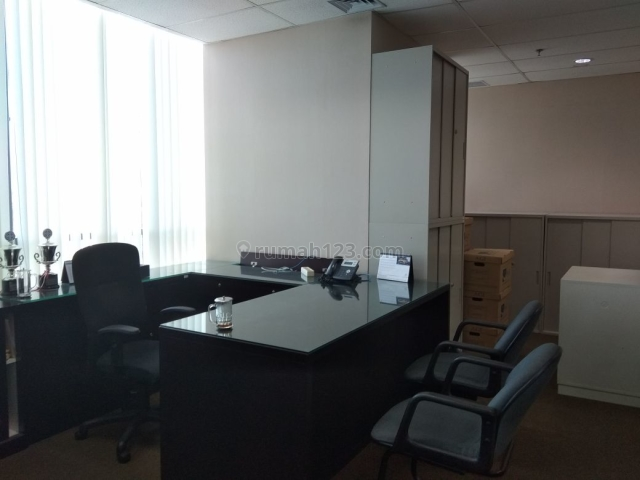APL OFFICE TOWER CENTRAL PARK LUAS 305m2 FULL FURNISH, S Parman, Jakarta Barat