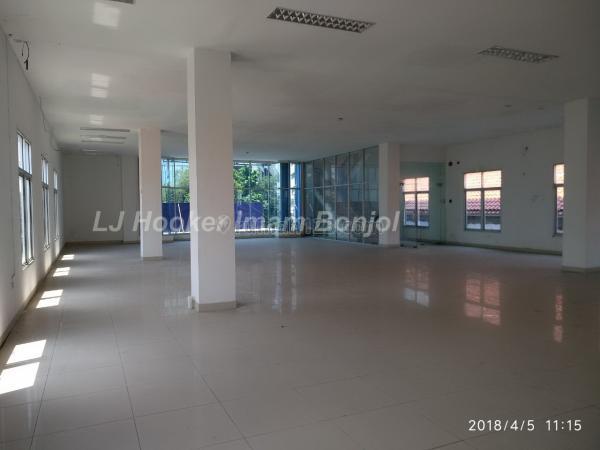 Gedung siap pakai dengan luas tanah 979 m2 Pemuda Semarang 2561, Pemuda, Semarang