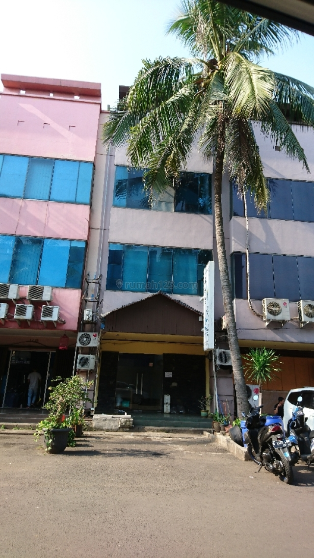 Ruko 3 lantai...lokasi prima, Karawaci, Tangerang