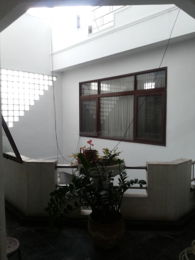 Ruko 4 lantai, Otista, Bandung