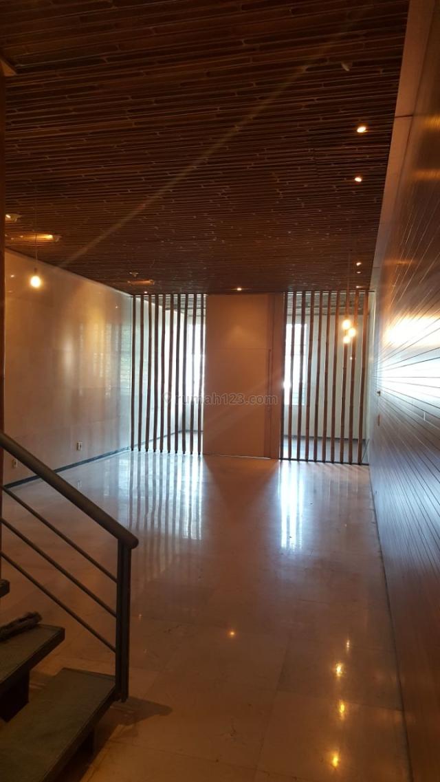 ruko 3 lantai siap pakai di strategis area keramaian mainroad pasir kaliki cocok untuk segala macam ruang usaha seperti perkantoran dll., pasir kaliki, bandung
