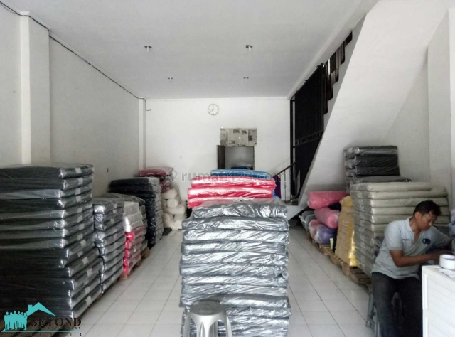 Ruko 3,5 Lantai Luas + Strategis Daerah Holis Bandung, Holis Cigondewah, Bandung