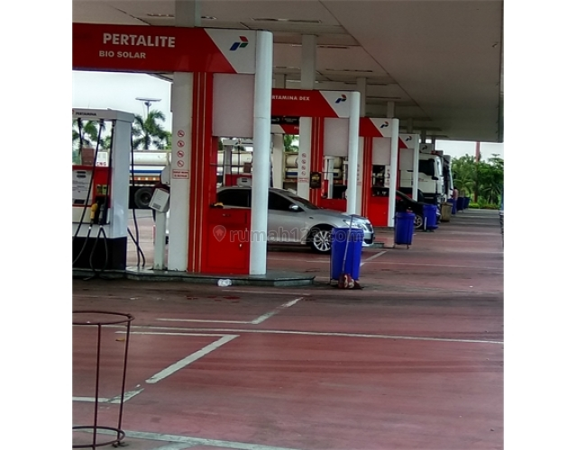 Tempat Komersil Pom Bensin di Simatupang, Ciracas, Jakarta Timur