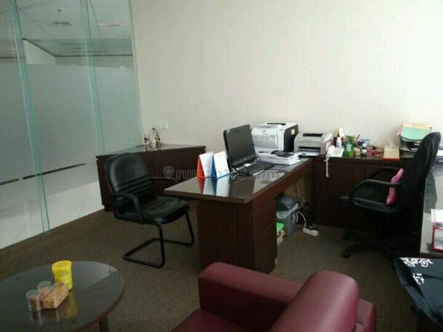 Office APL Tower Jakarta Barat Podomoro City Luas 300+ Furnished, Central Park, Jakarta Barat