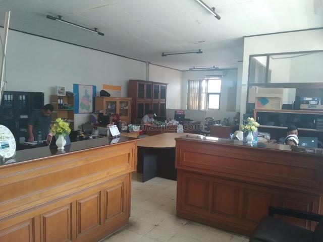 Ruang Usaha Jl Lodaya sayap burangrang, cocok untuk bank , kantor, café , dll, Burangrang, Bandung