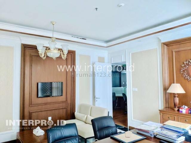 Kantor Office Mewah APL Tower Central Park Podomoro City - Fully Furnished, Central Park, Jakarta Barat