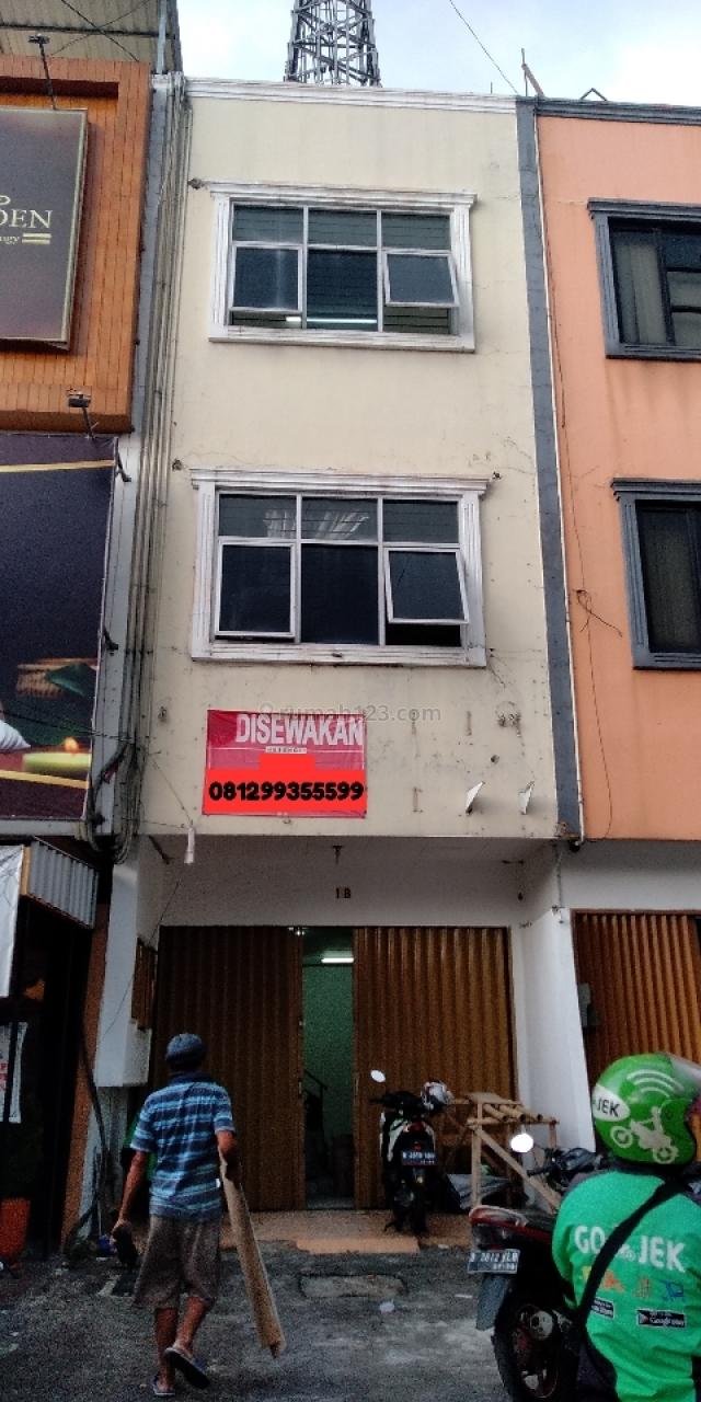 Ruko Strategis Dekat Pintu Tol, Pondok Pinang, Jakarta Selatan